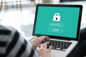 Jak uchronić się przed kradzieżą tożsamości w sieci?