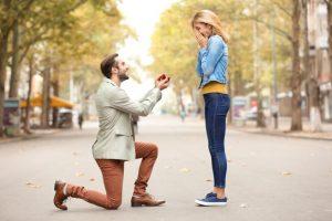 Ile wydać na pierścionek zaręczynowy?